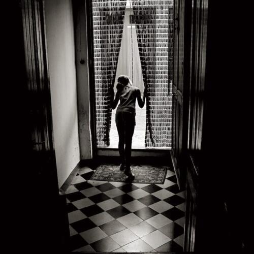 Noviembre. «Dawn of womanhood», Txema Rodríguez.